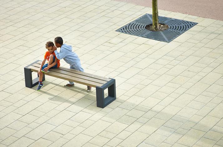 Govaerts-Recycling-Matrix-bench-kids